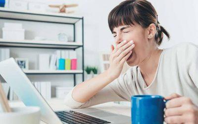 Falta de sono afeta desempenho no estágio e faculdade